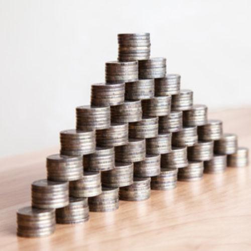 Piramida finansowa – jak działa i jak uniknąć