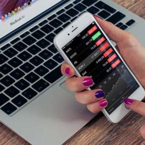 6 aplikacji na smartphone, które pomagają w finansach