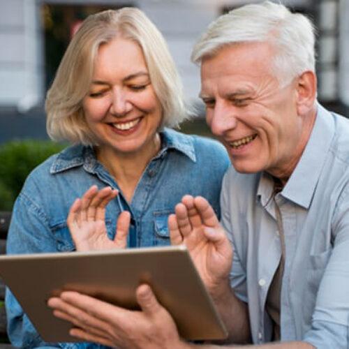 Co powinien wiedzieć emeryt lub senior przed założeniem konta w banku?