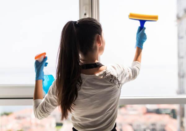 ile zarabia sprzątaczka - własna firma