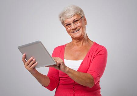 senior - bezpieczeństwo w internecie